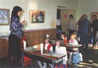 Znovuotevření základní školy v roce 1991