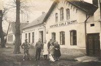 Hospoda ve Zdechovicích asi r. 1930