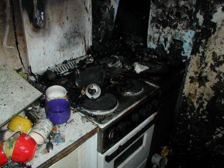 Požár bytu Chvaletice - 31.1.07 #09