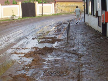 Mraky nad Zdechovicema - potopa #4