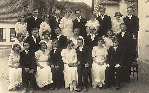 3.zprava p.Václav Novák, nar. 1912, zemř. 1982 ,ze Zdechovic čp. 47. Děkujeme za indentifikaci paní I.M. z Trnávky