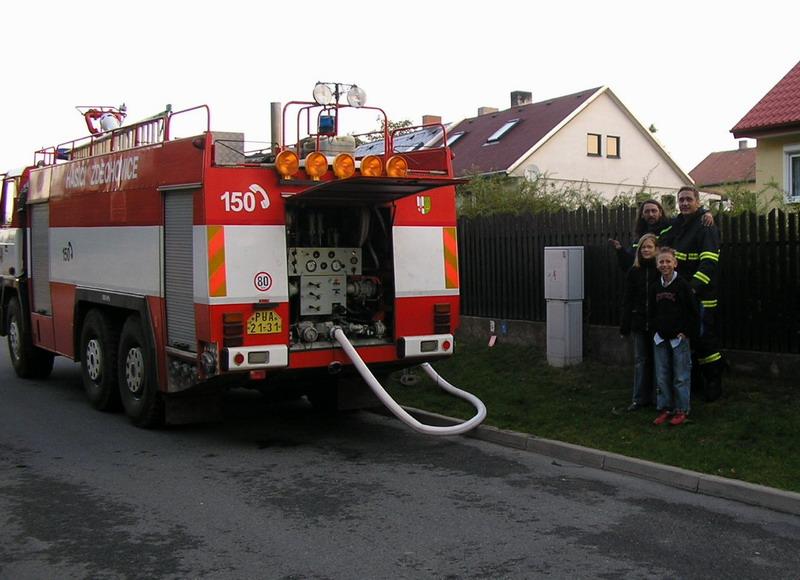 Požár pod linkou 06-doplňování vody při  na hydrantu