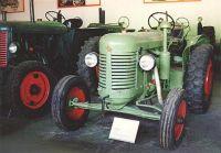 Historické traktory.Již jen vzpomínka, nyní jsou v Drobovicích u Čáslavi
