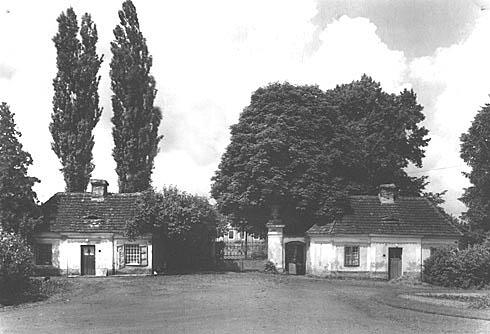 Jižní brána v roce 1990